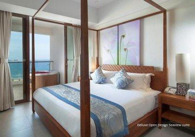 ALOHA OCEANFRONT SUITE RESORT 5*