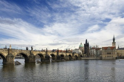 ARCHIBALD AT THE CHARLES BRIDGE 4*