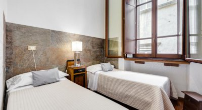 AFFRESCHI SU ROMA LUXURY B&B 1*