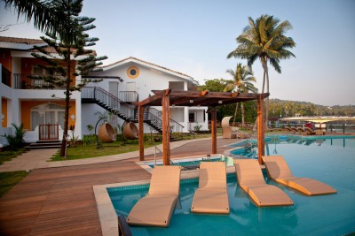 ACRON WATERFRONT RESORT 4*