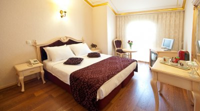 AMIRAL PALACE HOTEL SULTANAHMET 4*