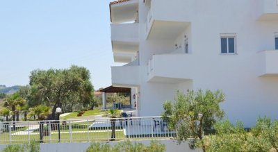 AKROPOLIS APARTMENTS 2*