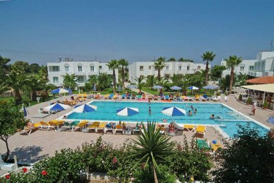 ALEXANDRA BEACH HOTEL & APARTMENTS 3*