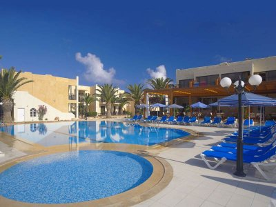 ATLANTIS BEACH 4*
