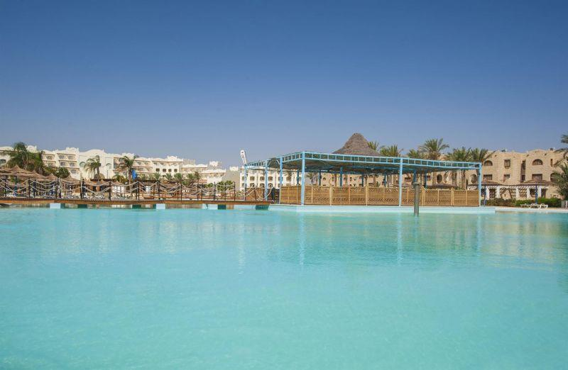ROYAL LAGOONS AQUA PARK RESORT & SPA (EX. PREMIUM PYRAMISA BLUE LAGOON) 5*