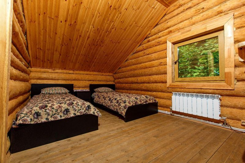 Дизайн узких комнат фото включает